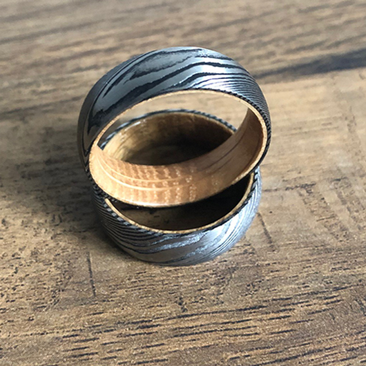 Damascus Steel Ring Whiskey Barrel Wood - JW1 image